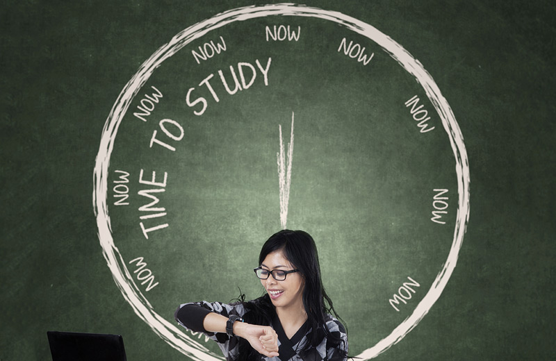 Woman using time management apps to make time to study