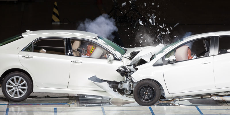 The kind of image of a car crash used in a study on memorisation and influence.